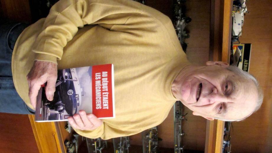 Jean-Claude Pitra présente son livre.