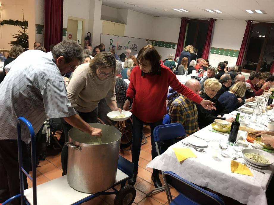 Moment de convivialité samedi dernier lors de la soupe du Chalet, salle des fêtes du Brûlat.(Ph. DR)