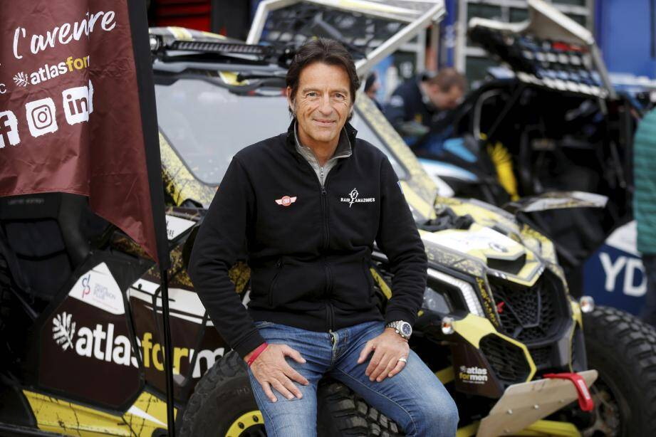 Alexandre Debanne pilote un buggy Canam X3 Turbo. Rencontre à Menton qui accueillait les vérifications administratives et techniques.