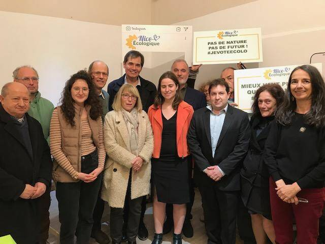 Les candidats des listes 100 % écologistes réunis mercredi soir à Nice autour de Jean-Marc Governatori.