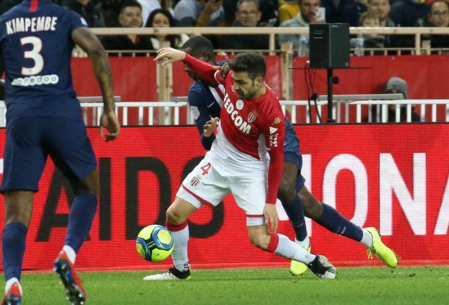 Titulaire depuis l'arrivée de Moreno, Fabregas devrait souffler lundi en 16es de finale de Coupe de France contre St-Pryve.