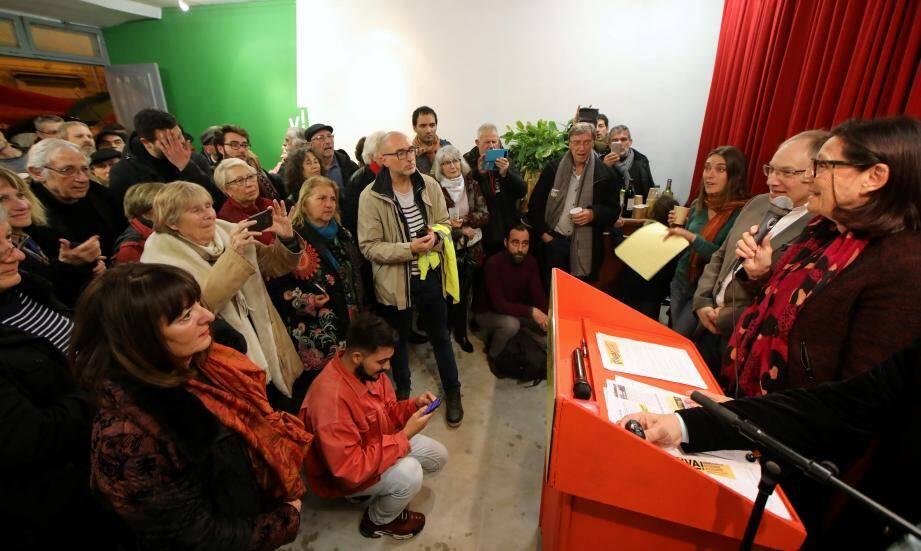 Viva ! a désormais une base, son local de campagne. Hier soir Mireille Damiano, tête de liste aux municipales a lancé avec détermination « On est là pour durer ! »