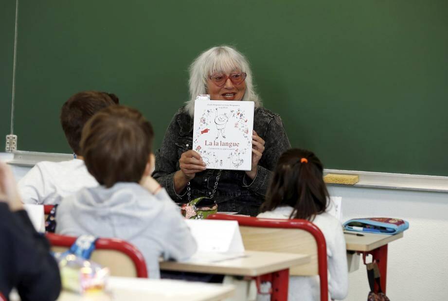 Susie Morgenstern est une auteure et illustratrice à succès pour enfant. Elle rencontre volontiers son public, comme ici à Beausoleil.