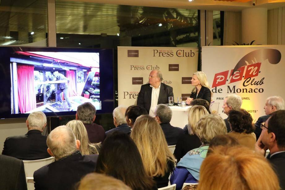 Le Press Club, le Pen Club et l'Alliance française ont convié Marc Brincourt au Yacht-club pour plus d'une heure de discussion sur l'histoire de la photo à Paris-Match.