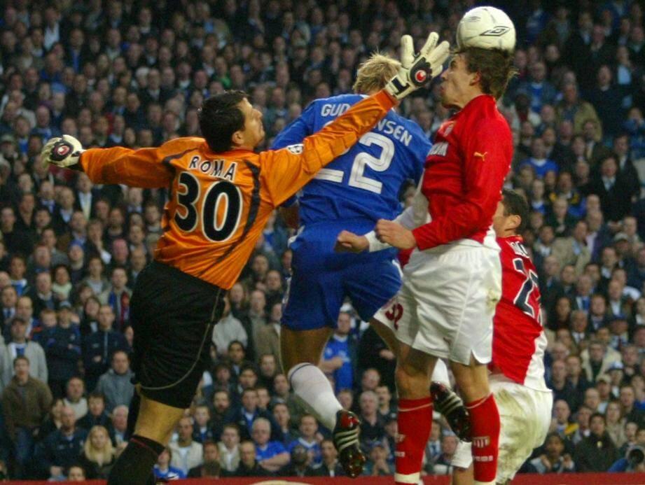 Flavio Roma et Gaël Givet face au Chelsea d'Eidur Gudjohnsen, une image de l'épopée 2003-2004 qui avait emmené Monaco en finale de la Ligue des Champions. Ce soir, ils rouvrent la boîte à souvenirs.