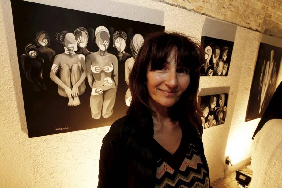 Auranne expose ses peintures au sein de l'atelier éphémère de la casemate Comte jusqu'au 1er mars.