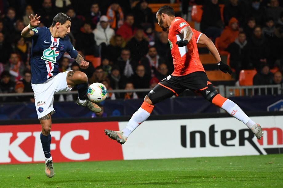 Di Maria et le PSG s'imposent à Lorient.