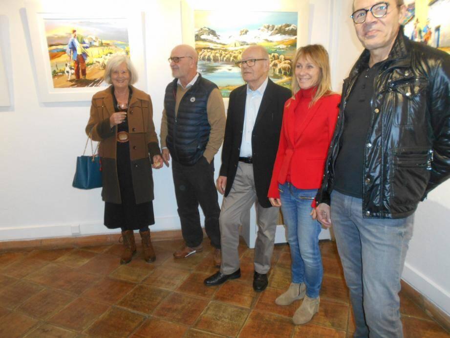 Christian Jecquel, au centre, un artiste à découvrir jusqu'au 3 mars au Château Sellier.