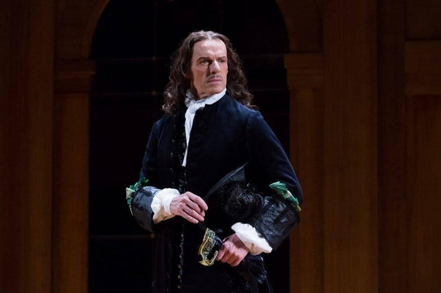 Lambert Wilson incarne Alceste ce soir sur les planches du théâtre Anthéa.(DR)