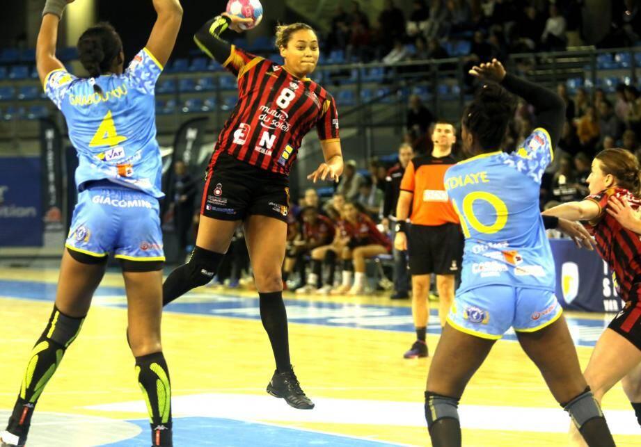 Avec six buts, la Niçoise Agathe a montré la voie lors du derby contre Toulon.