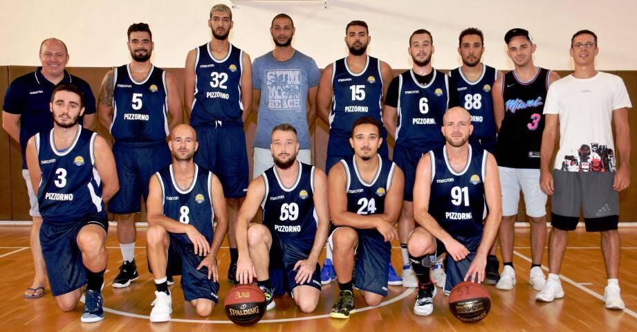 Une équipe performante et soudée autour de son coach (à droite), qui débute cette seconde partie de championnat à la 2e place.