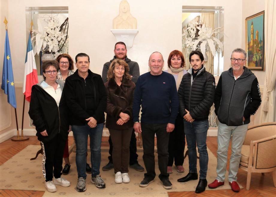 Les agents du recensement : Véronique Lanzo ; Caroline Bauduin, Michel Sainato ; Hélène Gavelli ; Cédric Connan, Gilles Lucas ; Gaëlle Genga, Johnny Sainato ; Jean-Louis Squarcioni.