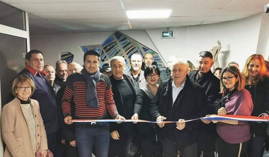 Le Centre culturel des Gras a été inauguré avant de connaître son premier vernissage avec l'exposition « Retour aux sources » de Gérard Alto.