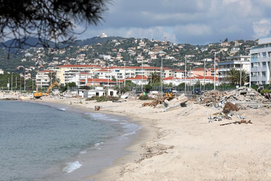 Les plages du Lutetia ont finalement été démolies (photo du haut). Quatre campings de la Brague sont fermés.