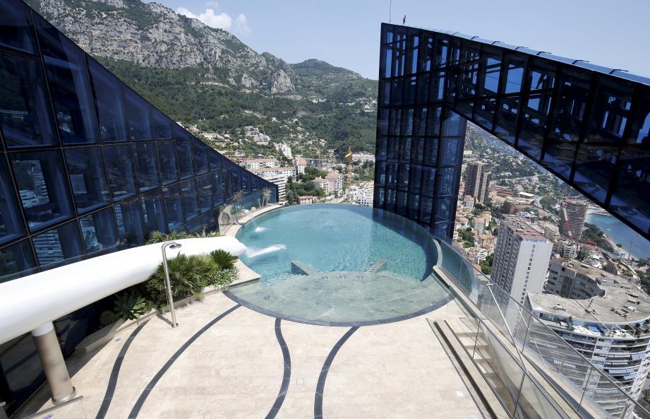 Est-ce la vue depuis la piscine qui a séduit le nouvel occupant? On ne le saura pas.