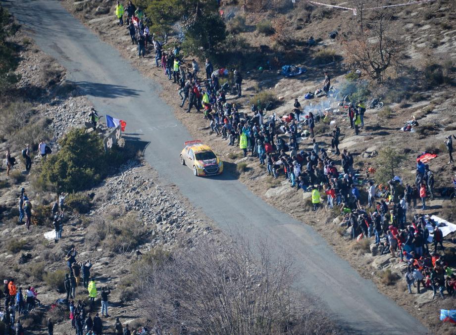 Plus de 10 000 spectateurs sont attendus au bord des routes demain.