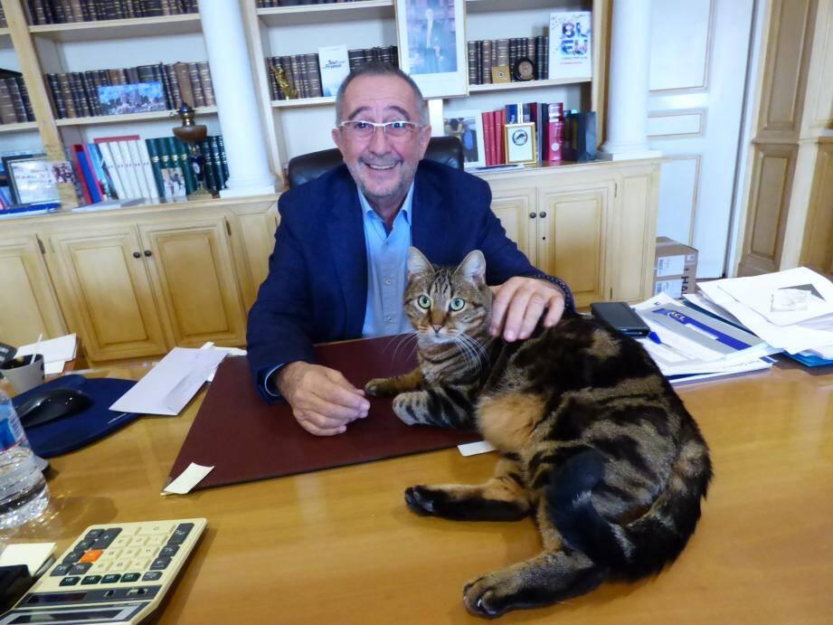 Pour l'instant sans rival... mais sans doute plus pour très longtemps, Alain Benedetto vise un troisième mandat de maire.