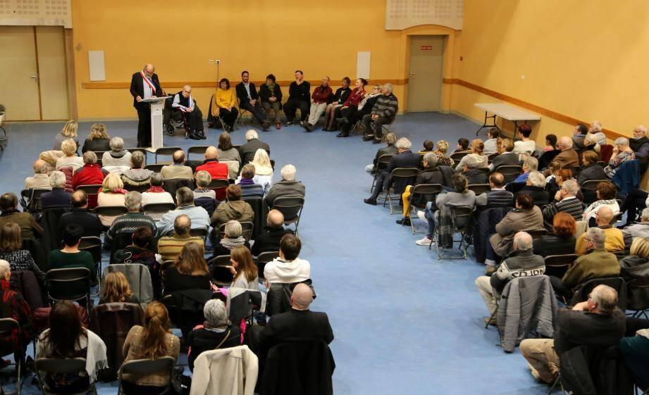Le maire a présenté ses vœux à la population à La Fraternelle, accompagné de son prédécesseur Louis Soldner.