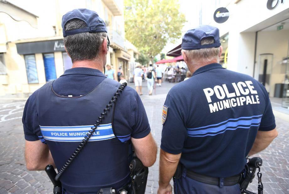 Saint-Jean-Cap-Ferrat est la commune qui compte le plus de policiers par habitant soit 1 pour 225 Saint-Jeannois.