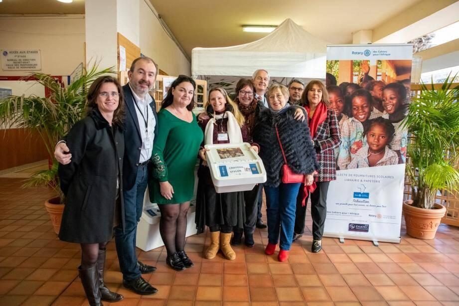 L'opération « Des cahiers pour l'Afrique » menée par le Rotary de Cap-d'Ail-Portes de Monaco récolte du matériel scolaire en bon état au profit d'écoles en Afrique.