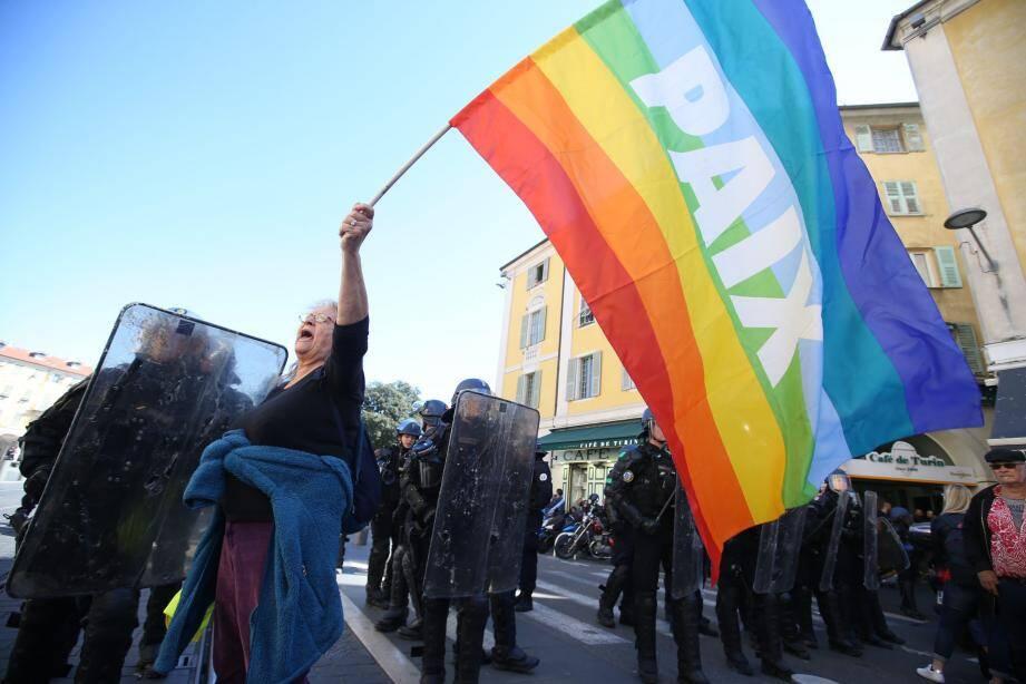 Le 23 mars, la militante d'Attac manifestait près de la place Garibaldi, lors de l'acte 19 des « gilets jaunes ». Elle assure ne pas avoir entendu l'ordre de se disperser.