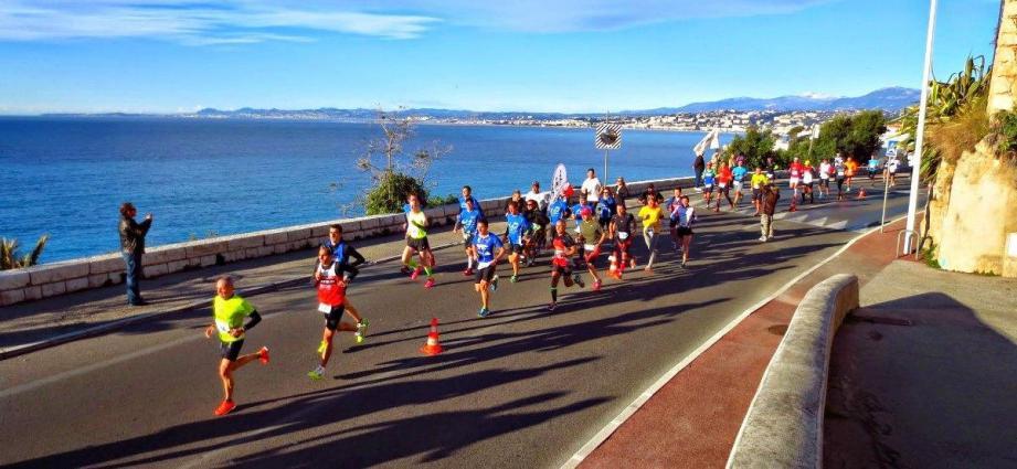 1.600 participants ont réservé leur dossard pour parcourir les 19 km en bord de mer dimanche matin.