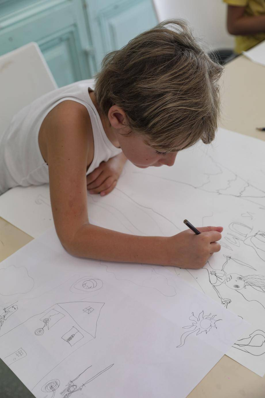 Pendant les vacances scolaires, les enfants peuvent participer à des stages de création artistique ou de découverte du patrimoine de la ville. (DR)