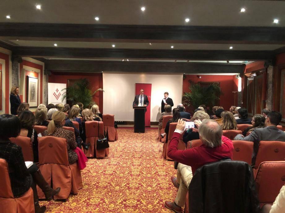 Nancy Dotta a accueilli à l'Hôtel Métropole les clients de la maison Christie's pour la présentation du livre Christie's archives précieuses : les secrets de 250 ans de ventes joaillières d'exception.