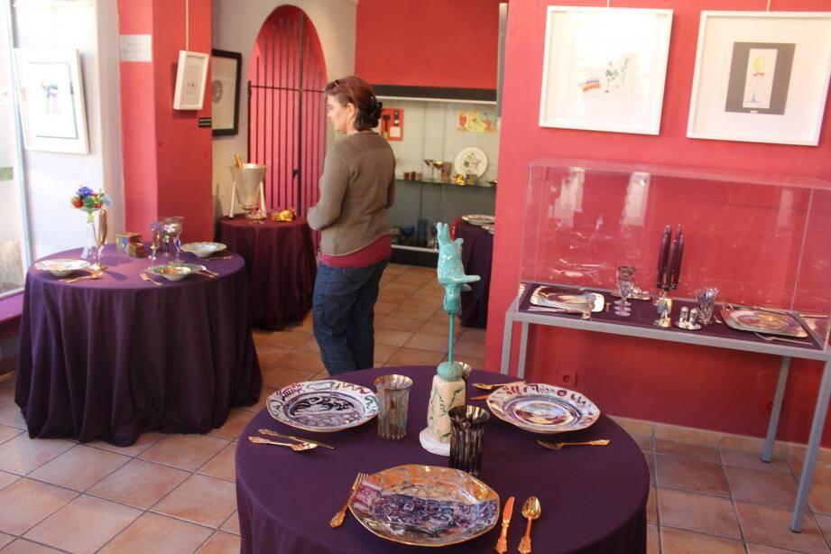Le musée a été créé dans l'ancien hôpital Saint-Jacques et agrandi d'une chapelle des pénitents blancs.