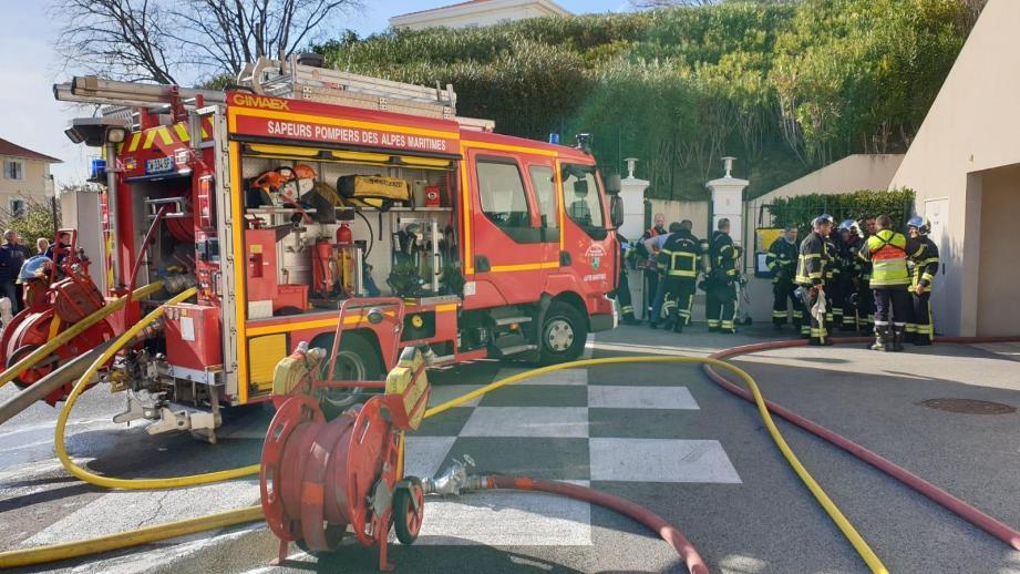 Les pompiers sur place.