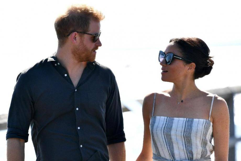 Harry et Meghan se distancient de la famille royale.