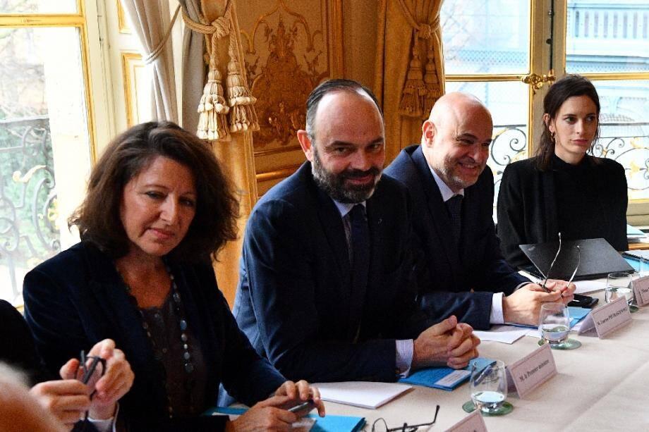 Agnès Buzyn, Edouard Philippe et Laurent Pietraszewski lors de rencontres bilatérales avec syndicats et patronat, le 10 janvier 2020 à Paris