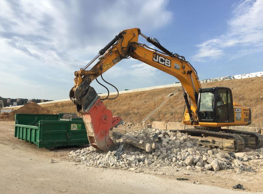 Dans le Var comme ailleurs, les volumes de déchets inertes produits chaque année par l'activité de construction sont très importants, soit 90% des déchets de chantiers. Les entreprises comme les centres de tri sont appelés à les réduire.