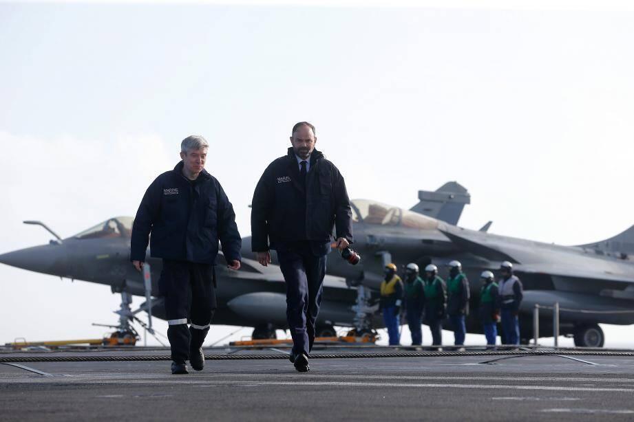 Edouard Philippe en visite sur le porte-avion Charles-de-Gaulle avant son déploiement dans le cadre de l'opération Chammal.