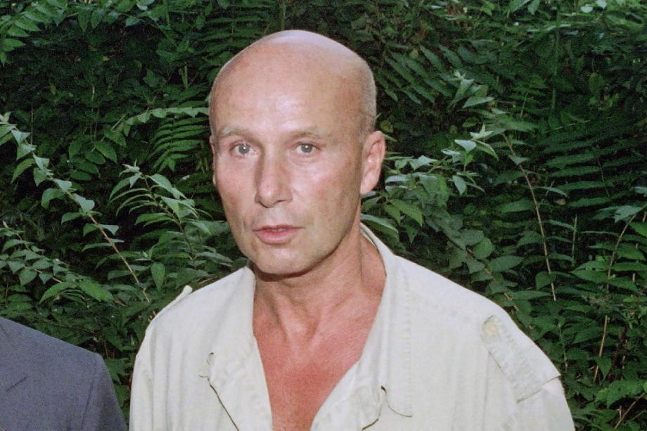 """Gabriel Matzneff à la """"Maison de Ecrivains"""" à Paris, en juillet 1990"""