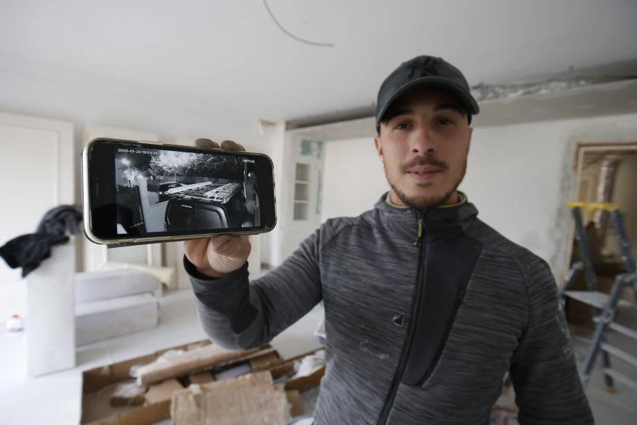 Florent Friziero a décidé de mettre en ligne la vidéo des deux hommes qui ont dérobé son matériel de chantier.