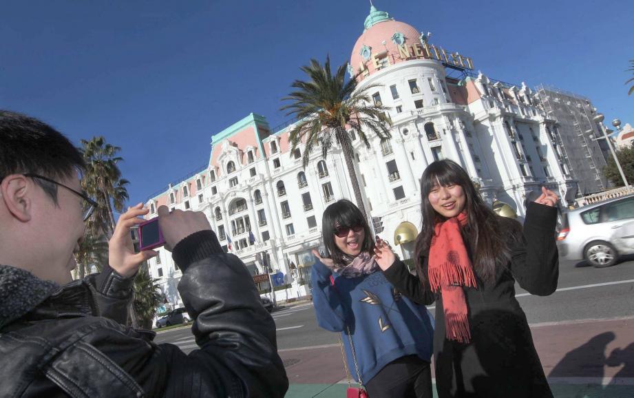 Illustration de touristes chinois à Nice.