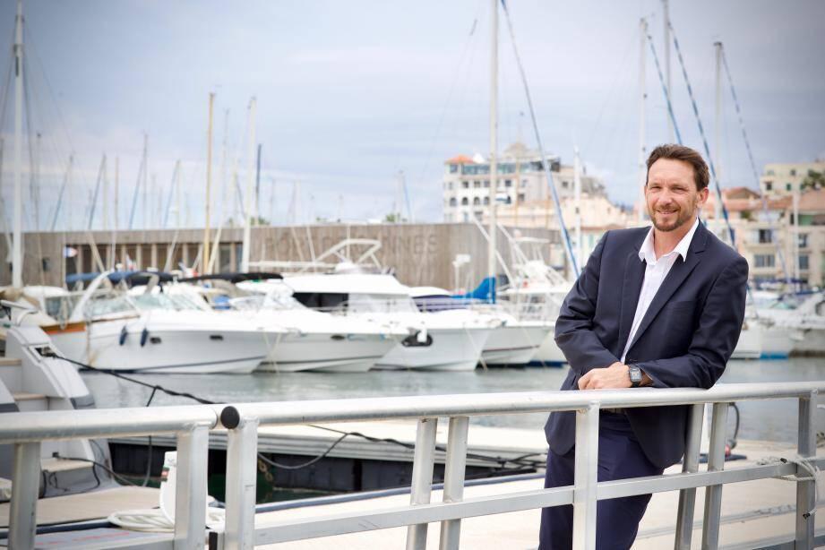 Associé à la rédaction et la mise en œuvre de la Charte Croisière cannoise, en lien avec la CCI, le directeur du vieux port Éric Barrat a été particulièrement choqué par les critiques infondées de certains candidats aux municipales.