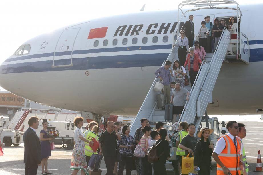 Le 2 août se posait le premier vol en provenance de Pékin.