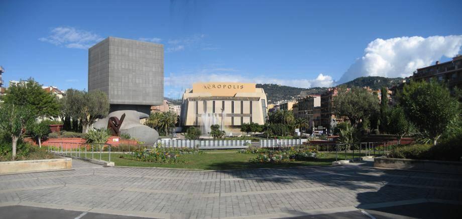 Christian Estrosi veut raser Acropolis et le TNN pour prolonger la promenade du Paillon.