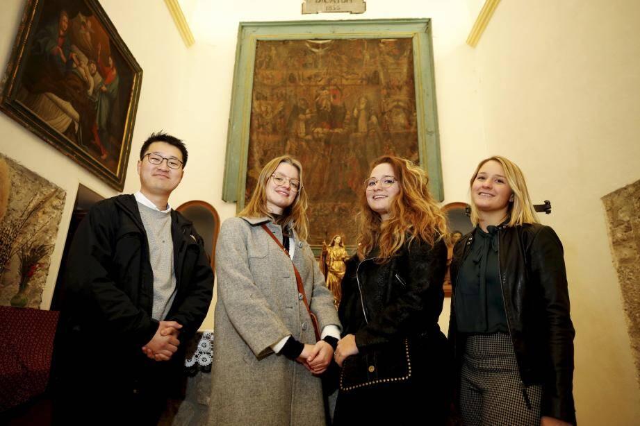 Les mystères du Rosaire, a été réalisée par un artiste vençois du XVIIe siècle. Selon les estimations de la commune, la restauration s'élèverait environ à 58.000 euros.
