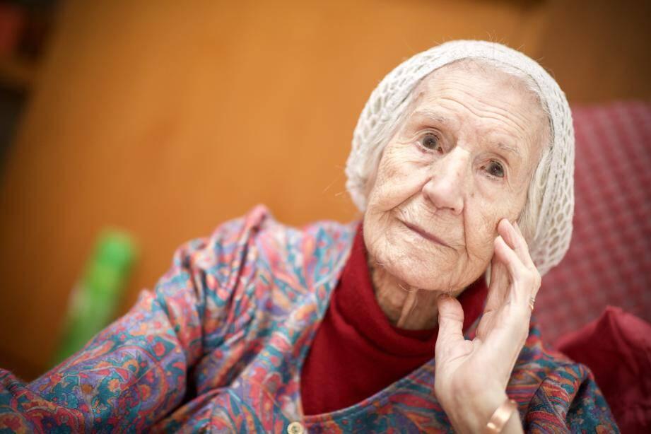 Marinette Lafond, 105 ans, est une grande fan de l'animateur Nagui. Nous avons souhaité qu'il puisse lui adresser un message.