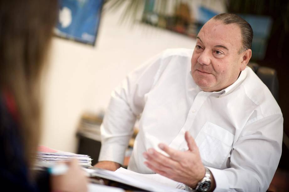 Jean-Marc Degioanni: «Imaginez un peu, les stars du Festival du film accueillies en hélicoptère sur le Cours...».