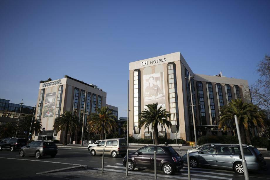 S'il est réélu, Christian Estrosi a annoncé  que l'hôtel NH Nice et le Novotel  seraient détruits en 2022.