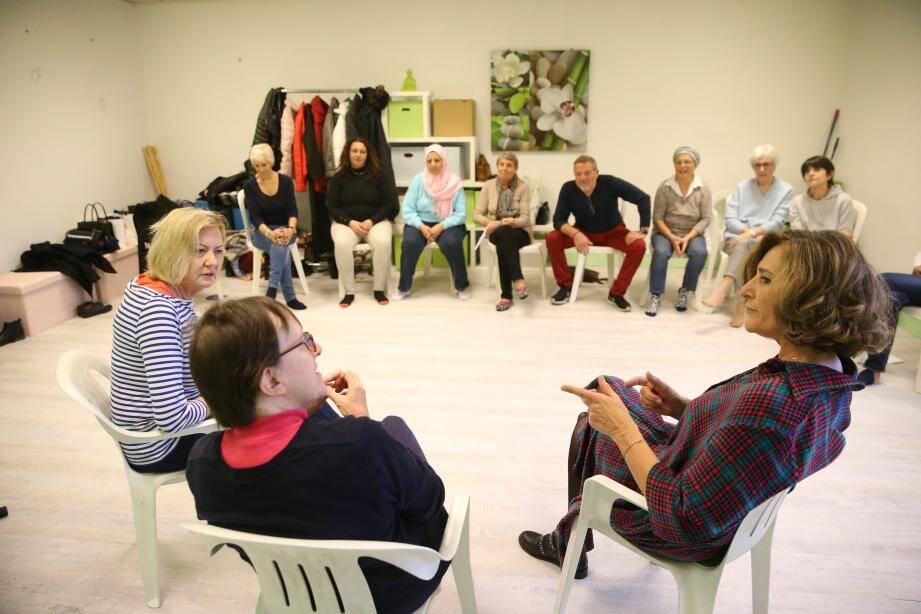 Atelier théâtre à l'association Ecoute Cancer Réconfort.