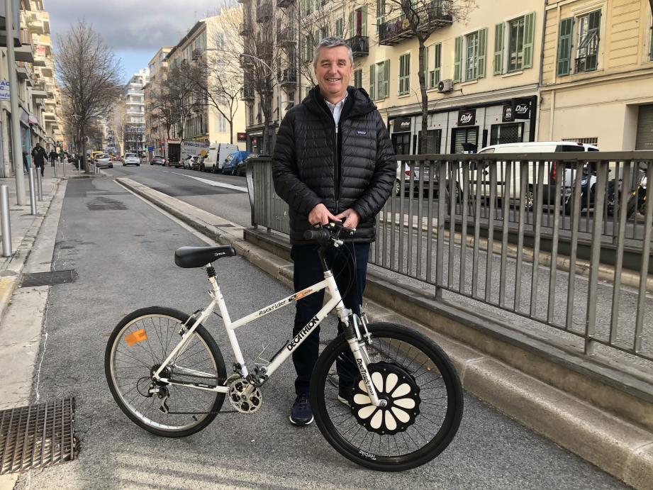 Le dirigeant de Teebike propose sa roue connectée sur son site ecommerce ainsi que dans des magasins de cycle indépendants comme La Voie Cyclable à Nice ou Mobelec à Toulon.