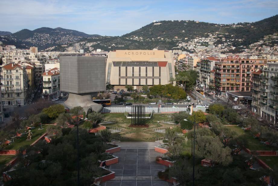 Œuvre majuscule de Jacques Médecin, le palais Acropolis appartiendra-t-il bientôt au passé?