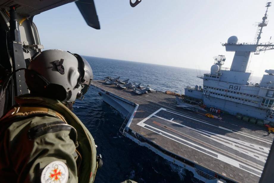 Le porte-avions Charles de Gaulle au large de Toulon (photo d'illustration).
