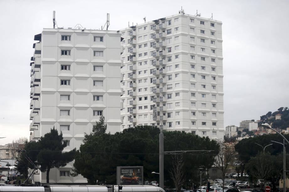 Le hall du bâtiment 21, appelé le Mercantour, est généralement squatté. Le 6 janvier, il a été saccagé selon le bailleur social Côte d'Azur Habitat.