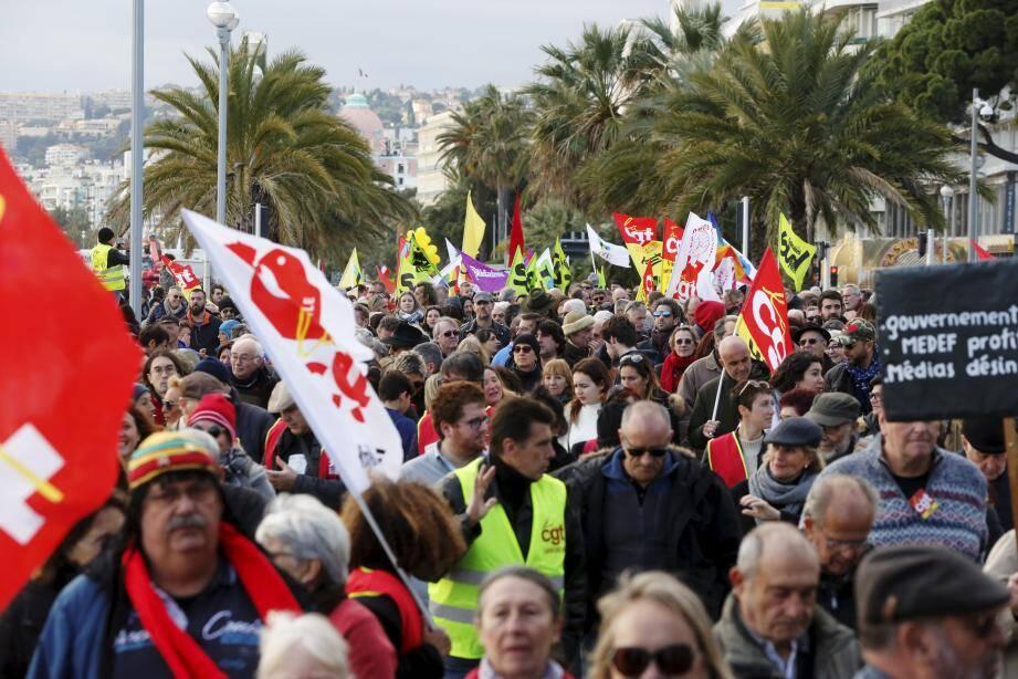 NICE, le 28/12/2019, manifestation à Nice organisée par la CGT contre la réforme des retraites. Environ 600 manifestants étaient présents, dont une trentaine des gilets jaunes, qui, en fin de défilé, ont investit le #ILoveNice.